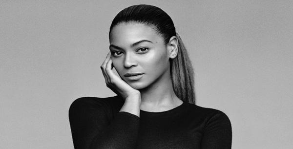 Le père de Beyoncé alimente une théorie sur l'âge présumé de la chanteuse