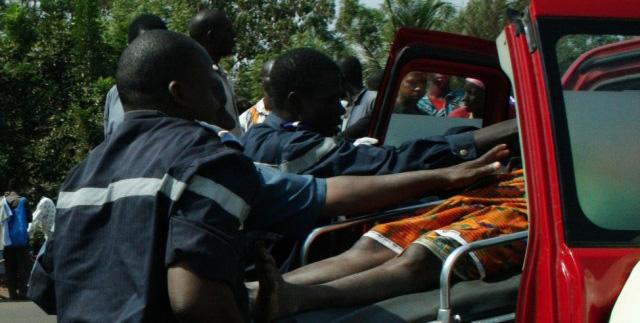 Mbacké: Un minicar heurte une charrette et tue un menuisier, le chauffeur décampe