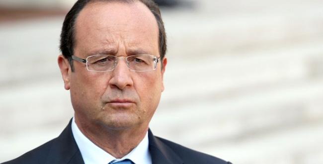 Un coup de feu perturbe un discours de François Hollande, deux blessés