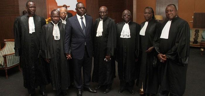 45 professeurs de droit dénoncent l'interprétation de l'avis du Conseil constitutionnel