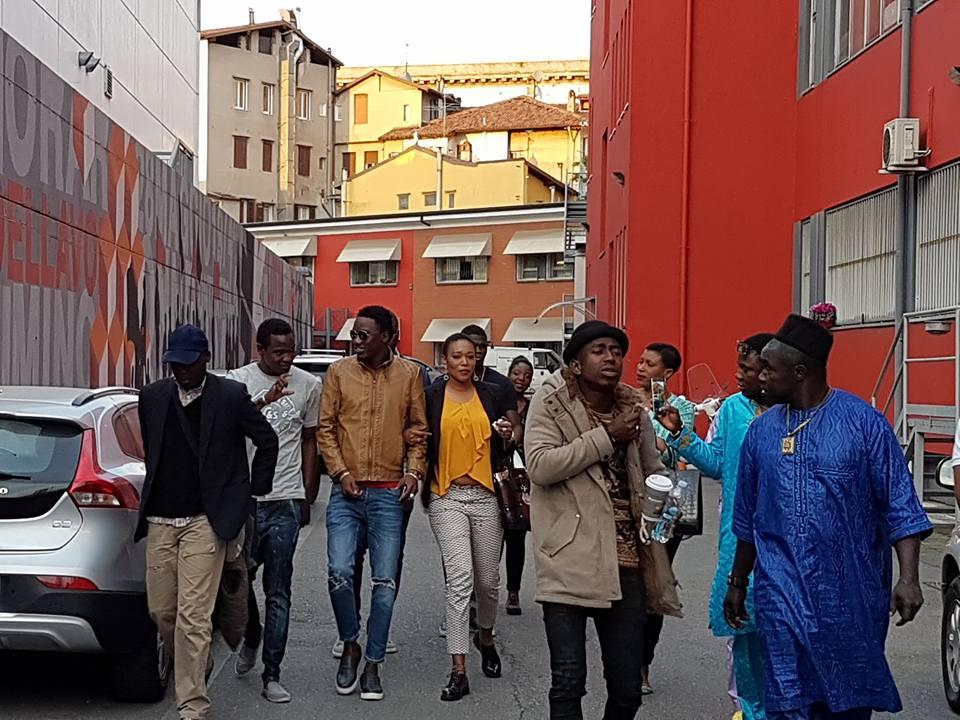 En route pour Bercy : Wally SECK accueilli par la communauté sénégalaise de Brescia