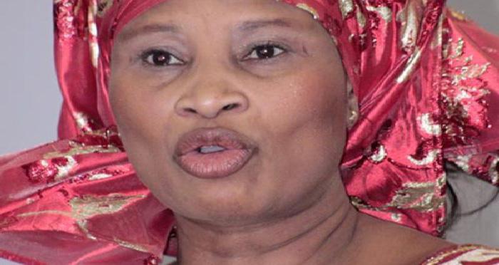 Me Aïssata TALL SALL et Me Sidiki KABA  se crêpent le chignon au sujet de la grâce présidentielle (Vidéo)
