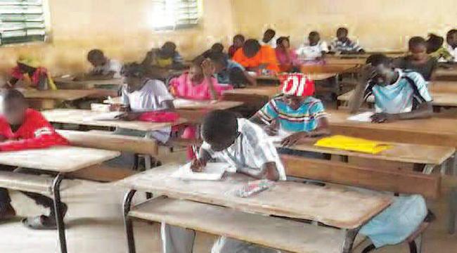 EQUATION DES PROFESSEURS : Les élèves se détournent des maths