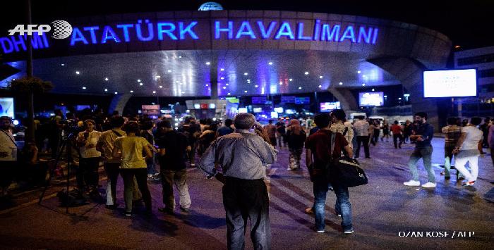 Turquie: 36 tués dans un triple attentat-suicide à l'aéroport d'Istanbul, l'EI suspecté