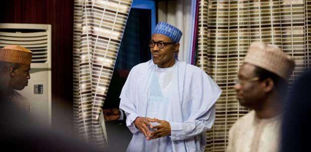 Economie : le Nigeria en récession, 9 banques suspendues