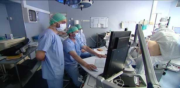 Belgique – Un infirmier expulsé par ses colocataires suite au coronavirus : «Ils ont changé la serrure …»