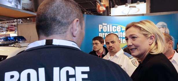 France : plus d'un policier sur deux est prêt à voter Marine Le Pen