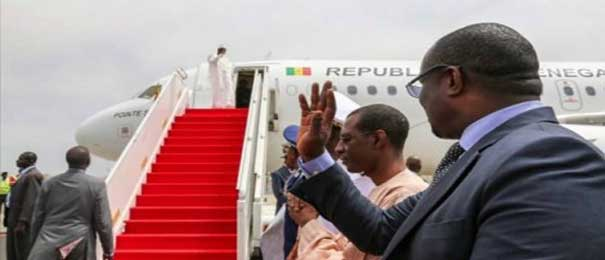 Visite à Paris : Macky déserte Dakar, retour le 21 avril