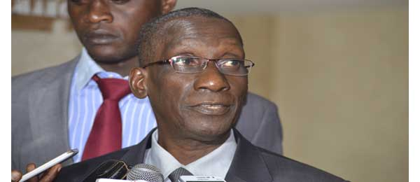 Mamadou DIOP Decroix : « le comité ad hoc est en train de discuter sur comment mettre en œuvre le parrainage»