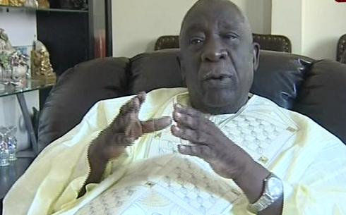 Macky drague Me Doudou NDOYE, Abdoulaye Makhtar DIOP et El Hadji Mansour MBAYE s'engagent à le faire transhumer