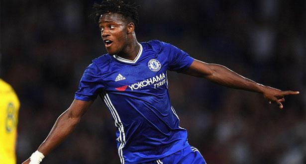 PREMIER LEAGUE: Batshuayi offre à Chelsea son sixième titre de champion d'Angleterre !