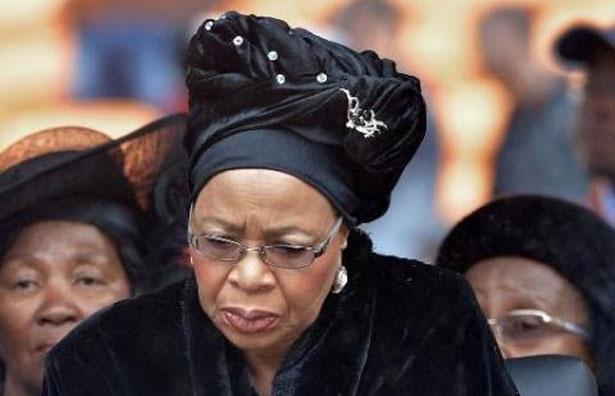 La veuve de Mandela en colère