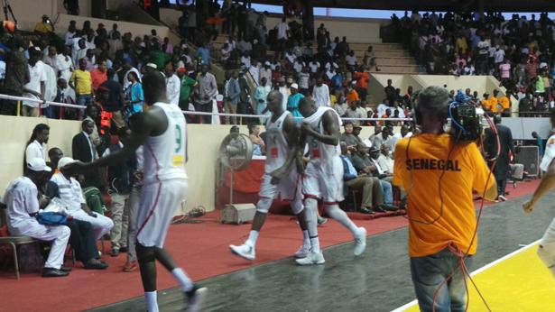 Sénégal vs  l'Afrique du Sud : fin 2e  quart temps, les Lions mènent 42-18