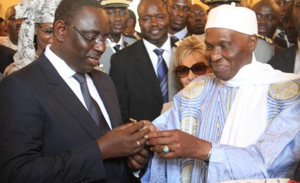 Libéralités :  de WADE à Macky, des milliards sont passés par la fenêtre
