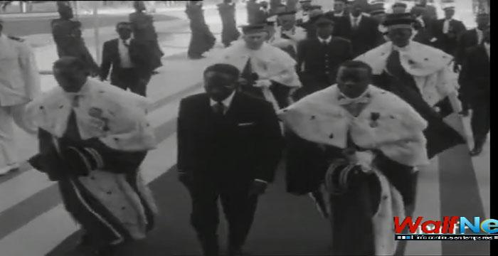 «Peau noire, masques blancs » : revivre en images la première prestation de serment de SENGHOR