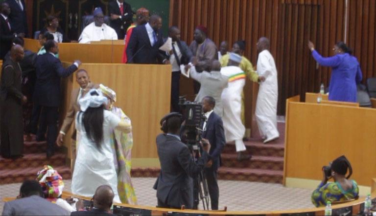 Assemblée nationale : L'opposition lâche SONKO