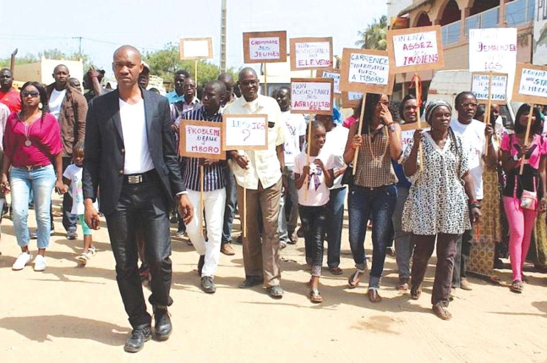 Les jeunes de l'Opposition appellent à manifester ce vendredi et avertissent le préfet