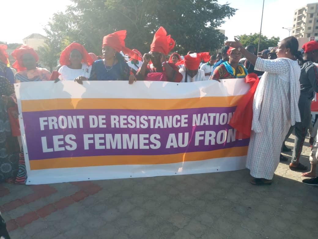 La marche de l'opposition en images