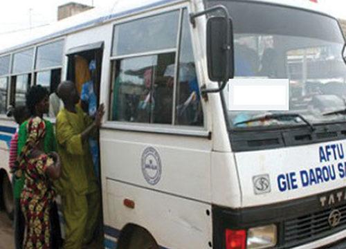 2 bus Tata font la course et tuent un enfant de 6 ans