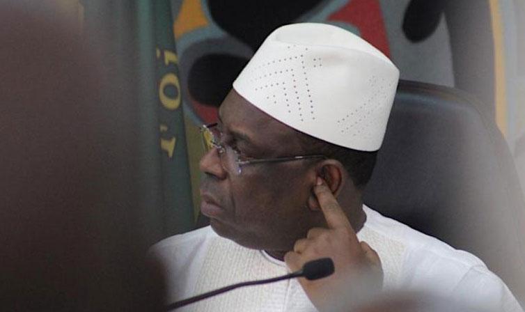 Un ministre en contact avec un cas positif : Macky se confine derrière la visioconférence