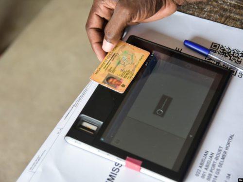 Côte d'Ivoire : les nouvelles cartes d'identité biométriques font déjà polémique