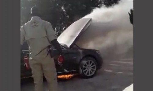 Limousine de Macky en feu : un marabout réclame une enquête